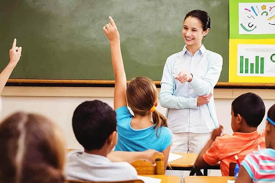 Giáo viên dạy tiếng Anh