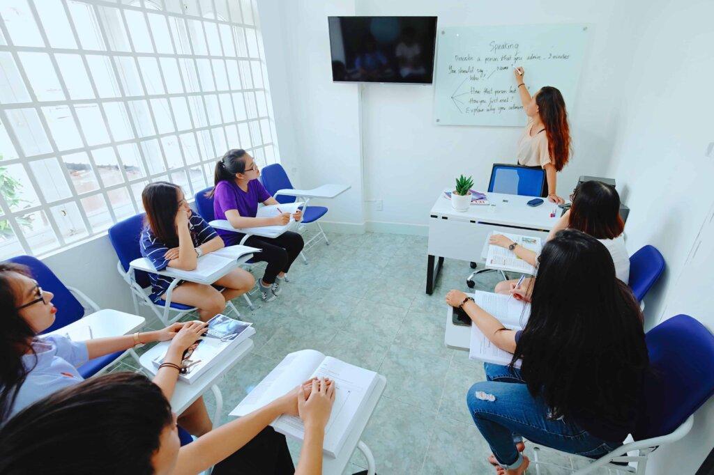 Lớp học tại Vietop